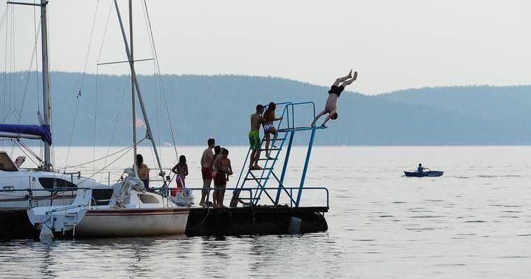 туристы озера челябинская область пожары