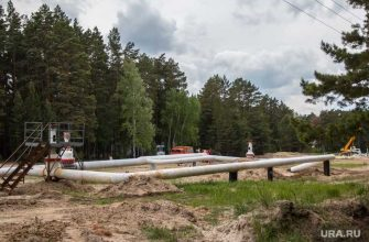 Урал произошел разлив нефти из-за аварии на трубопроводе