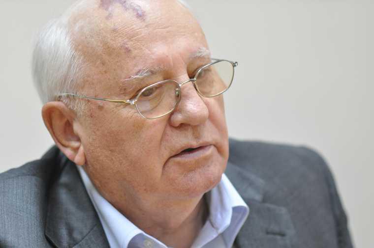 Горбачев поддержал протесты в Белоруссии
