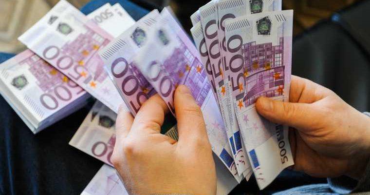 евро доллар дорожает рост