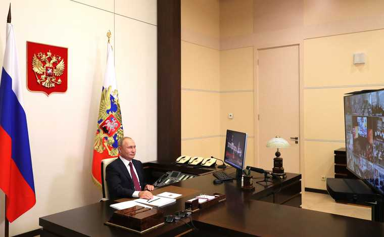 Путин защитил Собянина отатаки элит