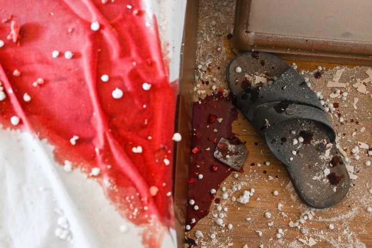 Под обстрел в столице Карабаха попали гостиница и жилые дома. Фото, видео