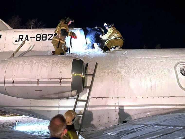 В ХМАО школьник застрял в турбине самолета. Фото