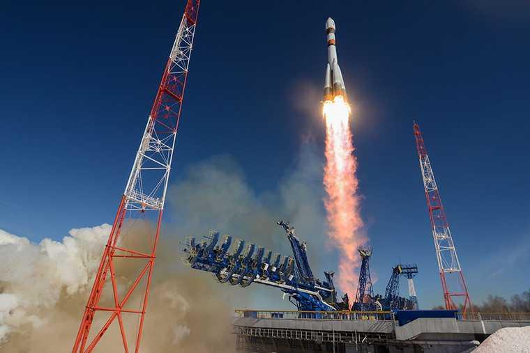 В РФ анонсировали срочную экспедицию для поиска жизни на Венере