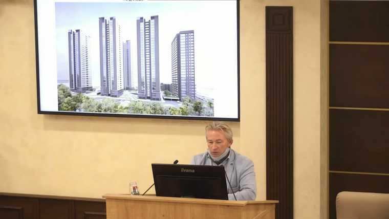 Прокуратура забрала у мэрии Екатеринбурга контроль над стройками. Чиновники отбивались презентацией