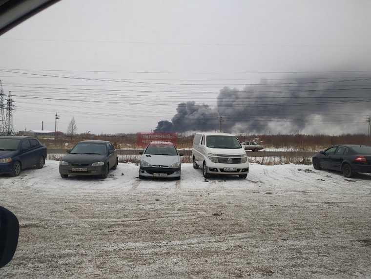 В Челябинске прогремел взрыв. Над городом дым, под завалами могли остаться люди. Фото