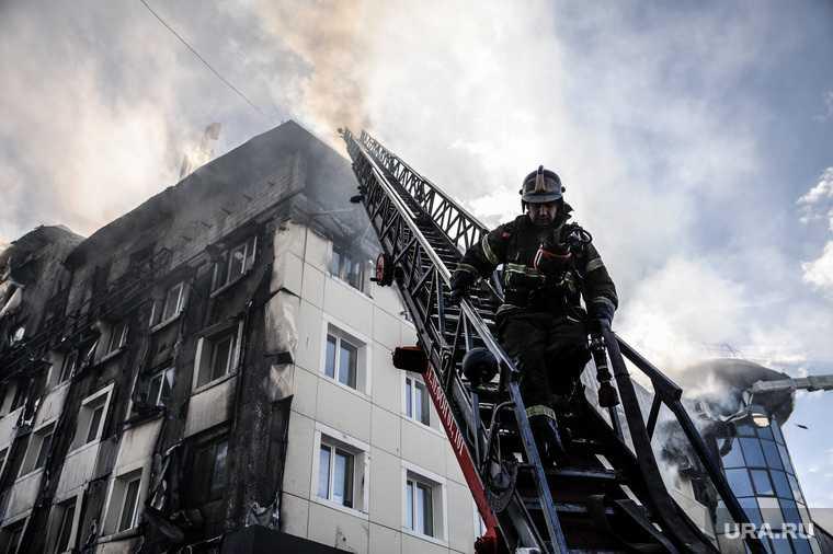 Пожар в бизнес-центре Парус. Тюмень