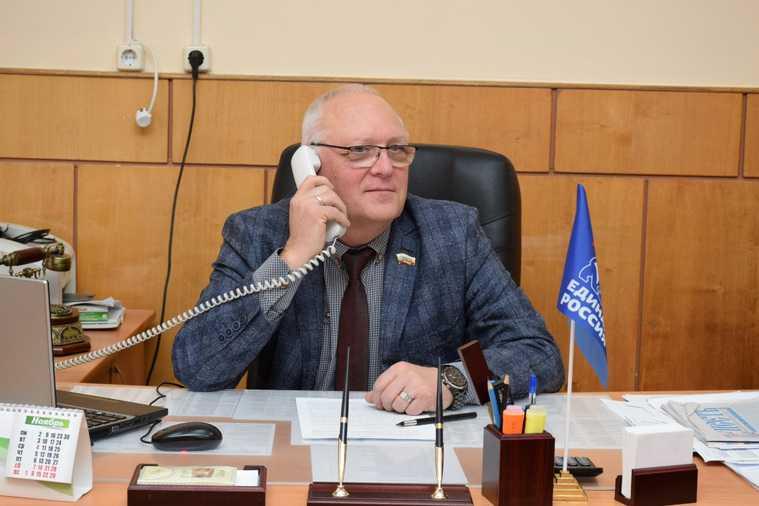 Медведев предложил изменить порядок зачисления детей в детсады