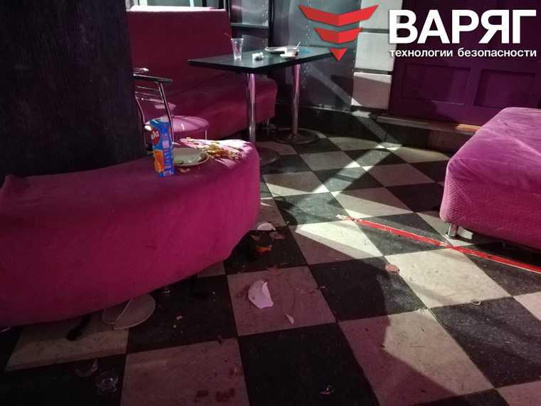 В челябинском баре произошла массовая драка. Фото